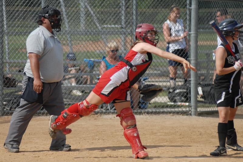 catcher-throwing