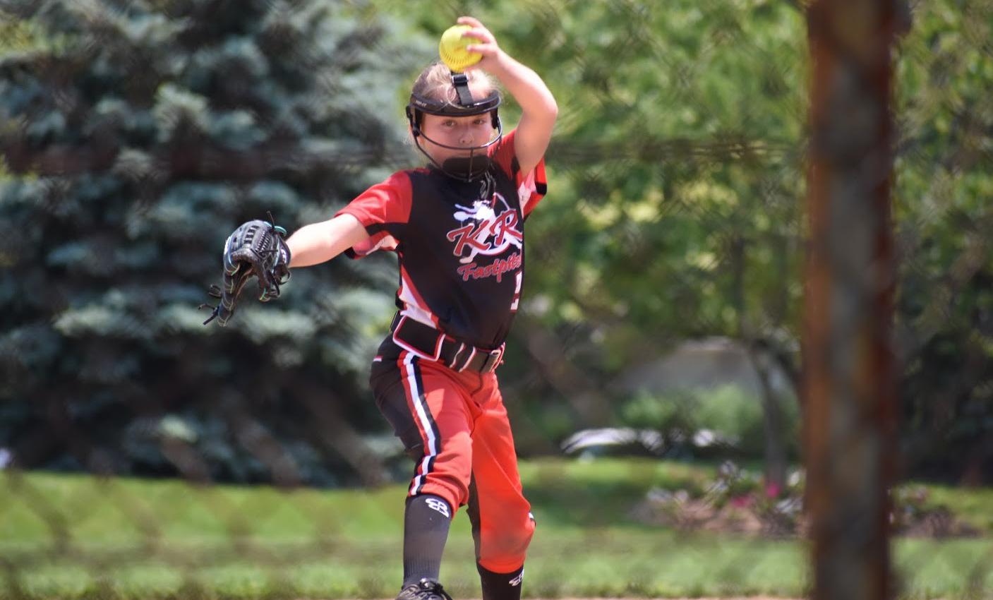 Sammie pitching